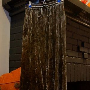 AE Olive Green Crushed Velvet Cropped Pants One Sz
